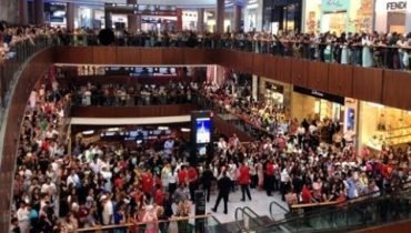 This is what happens if Dubai Mall offers a discount sale